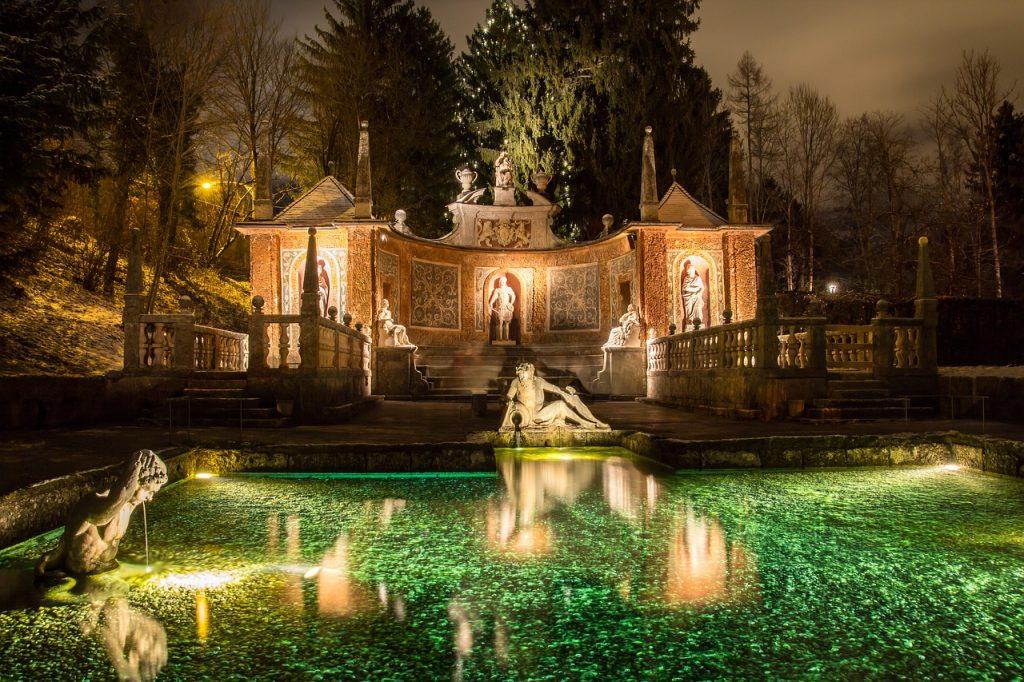 Hellbrunn im Salzburger Advent