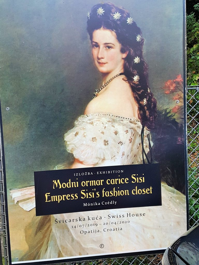 Plakat für Ausstellung über Kleider von Kaiserin Sisi