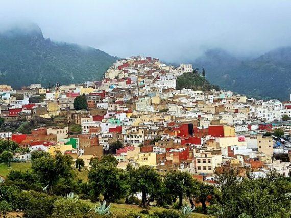 der malerische Ort Moulay Idriss in Marokko