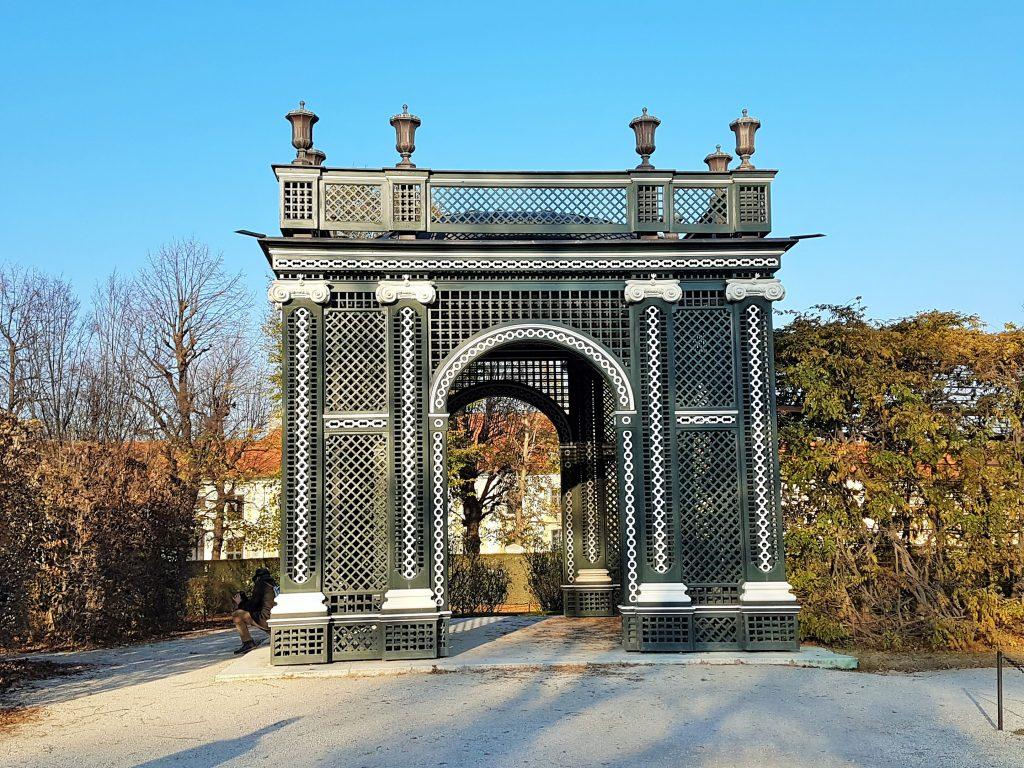 Gartenlaube im Park Schloss Schönbrunn