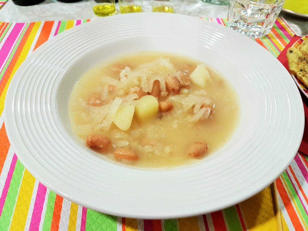 slowenische Suppe im Teller