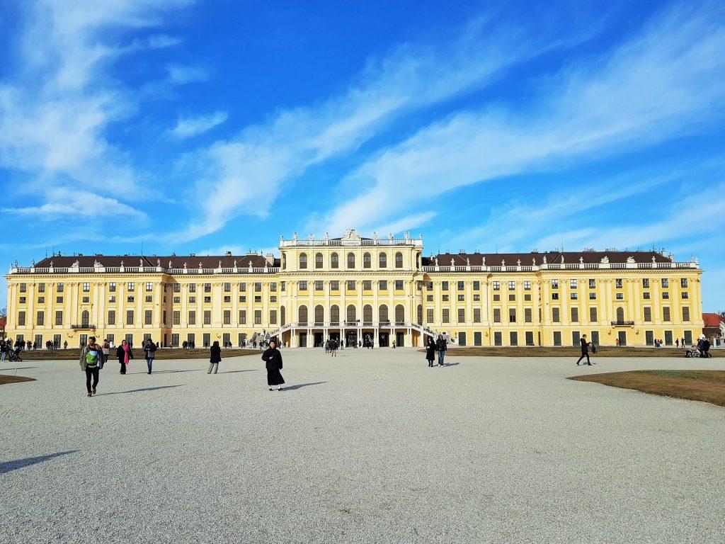 Schloss Schoenbrunn Wien Parkseite