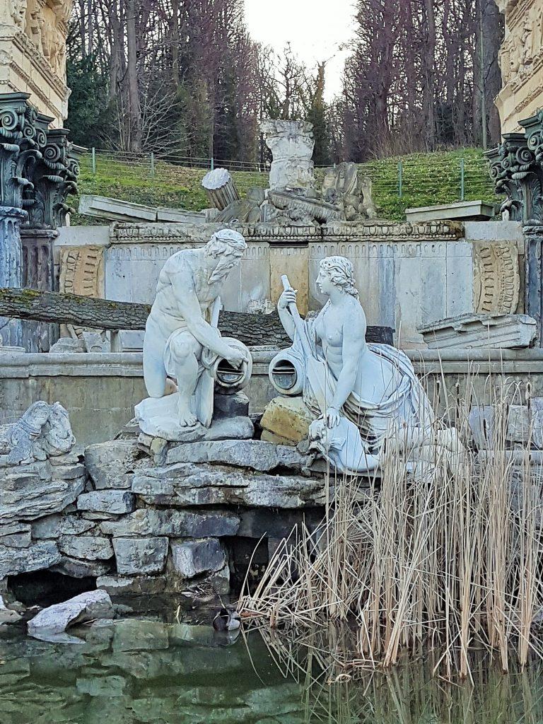Figuren im Steintheater Schönbrunn