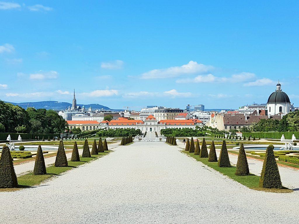 Belvedere Wien Weltkulturerbe mit Blick auf Stephansdom