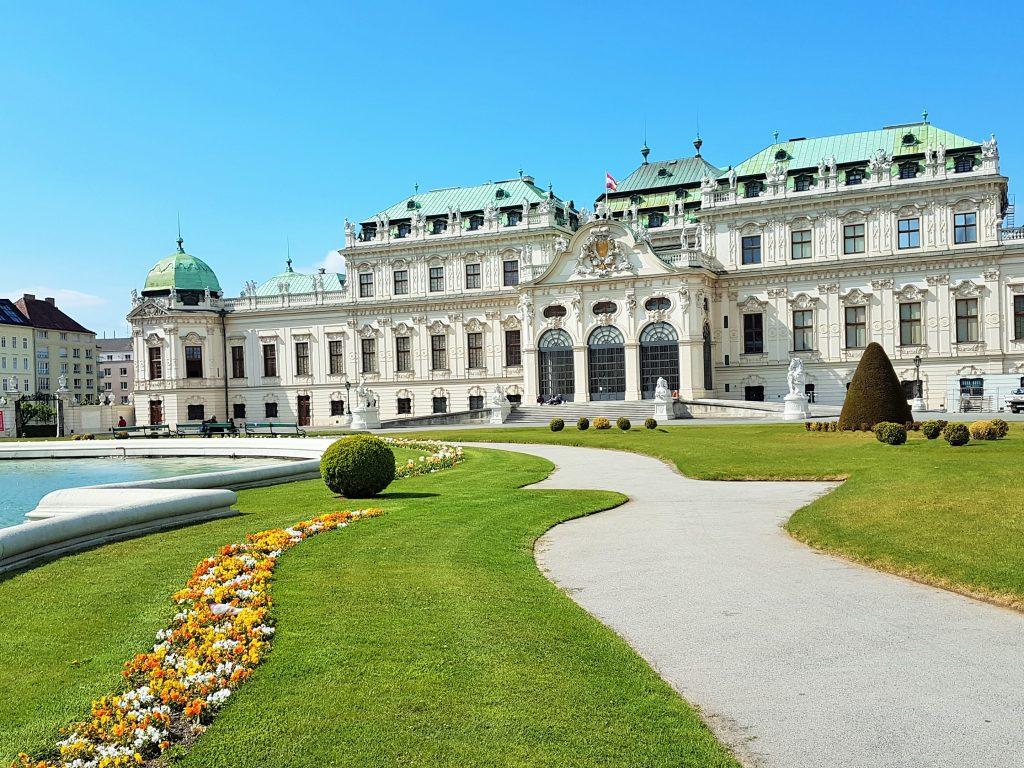 Oberes Belvedere Schloss mit Park