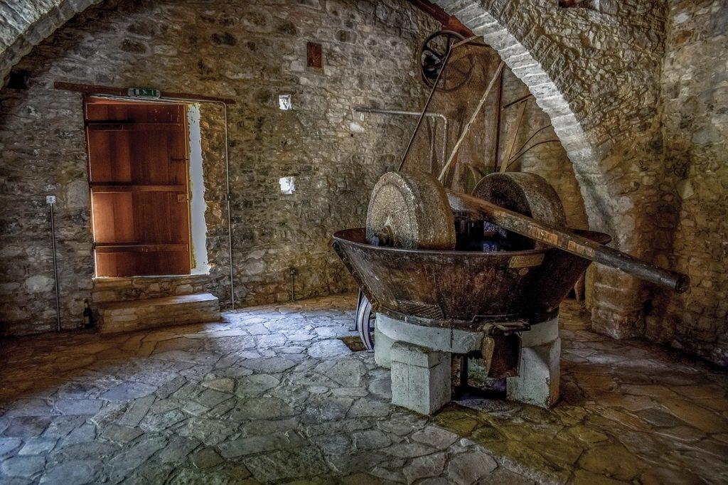 altie Olivenöl Presse