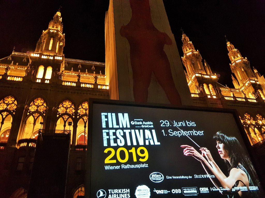 Rathausplatz Filmfestival Wien.jpg