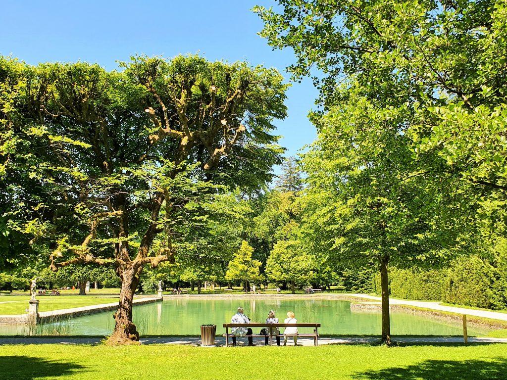 Hellbrunner Park Salzburg mit Weiher