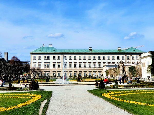 Schloss Mirabell Salzburg mit Springbrunnen