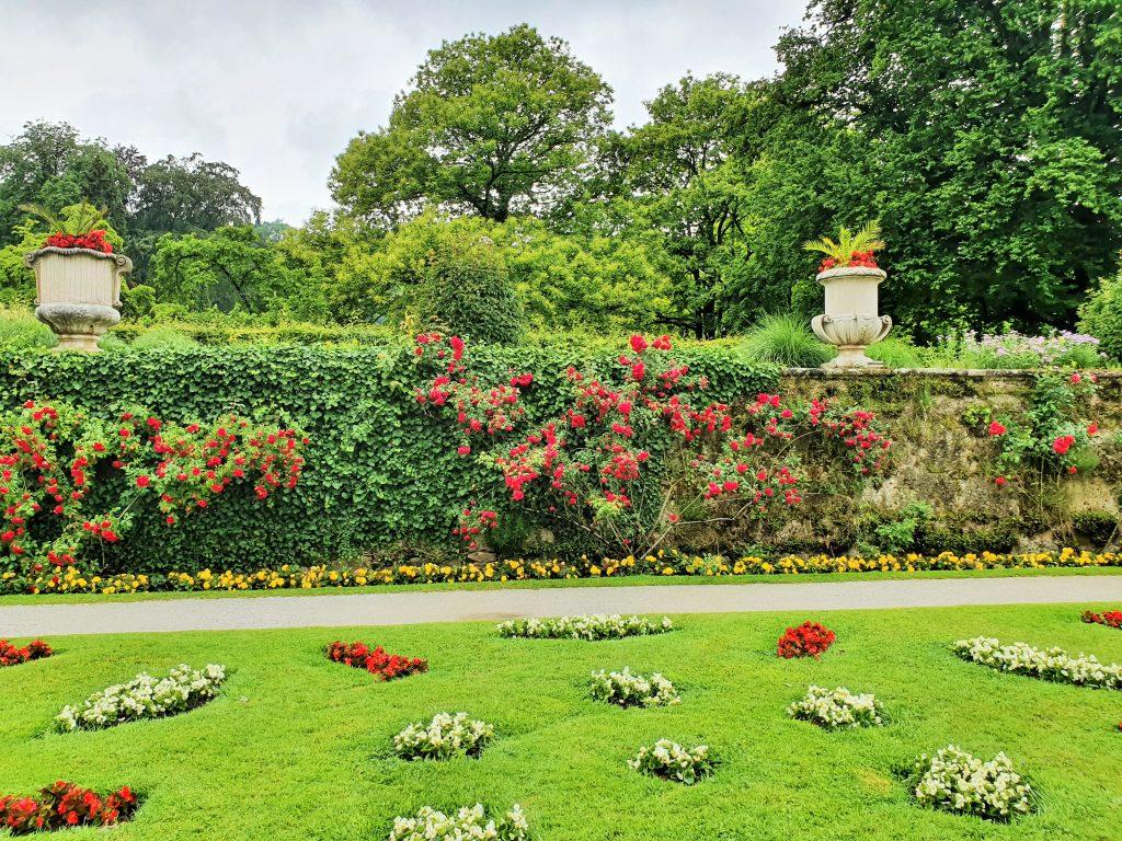 barocker Garten mit Blumen, Mirabellgarten Salzburg