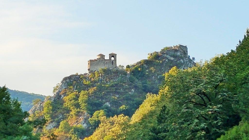 Festung Asen in Bulgarien hoch oben auf einem Berg