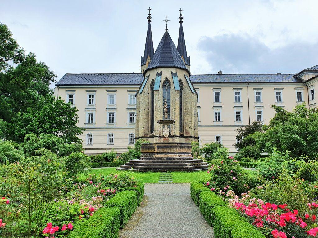 Stift Admont Führung durch den Rosengarten
