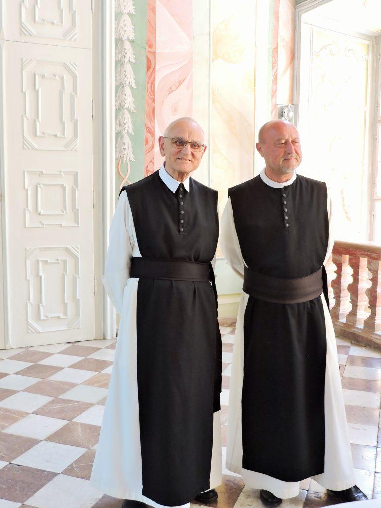 Abt und Pater von Stift Rein