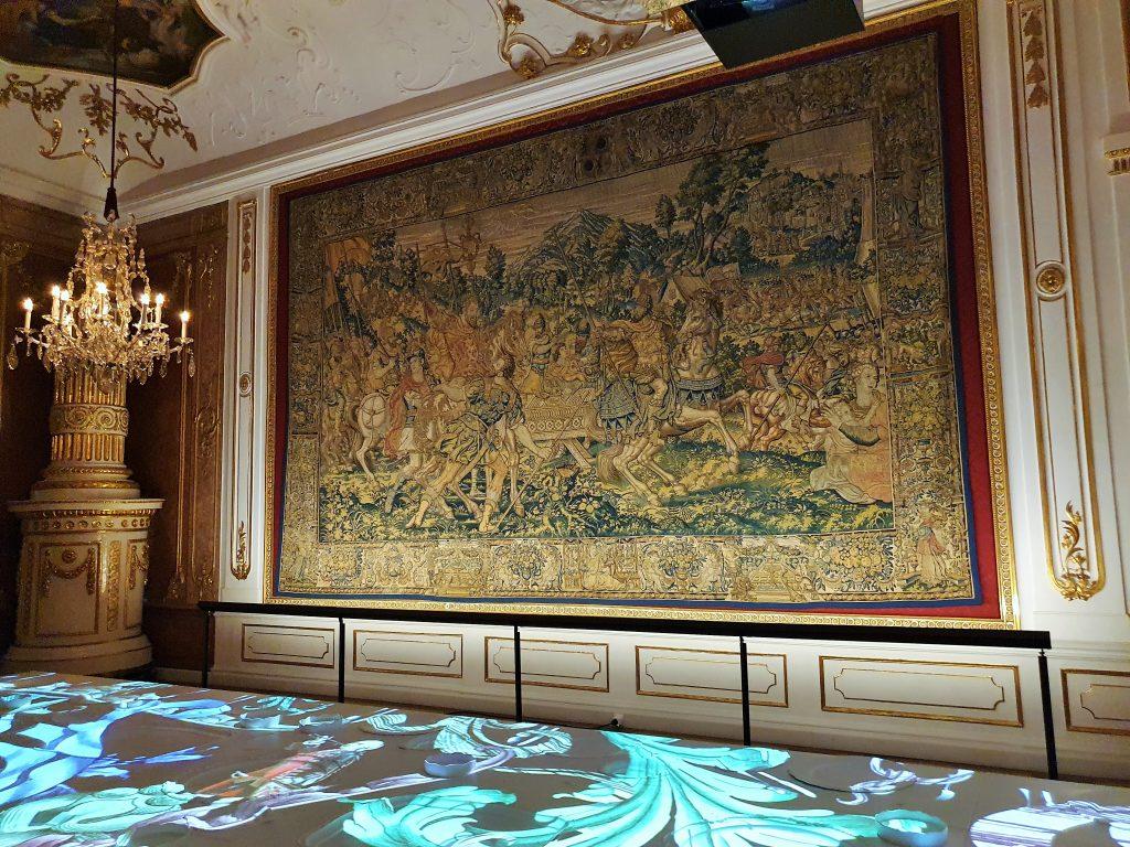 barocke Wand-Tapisserie in einem Prunksaal