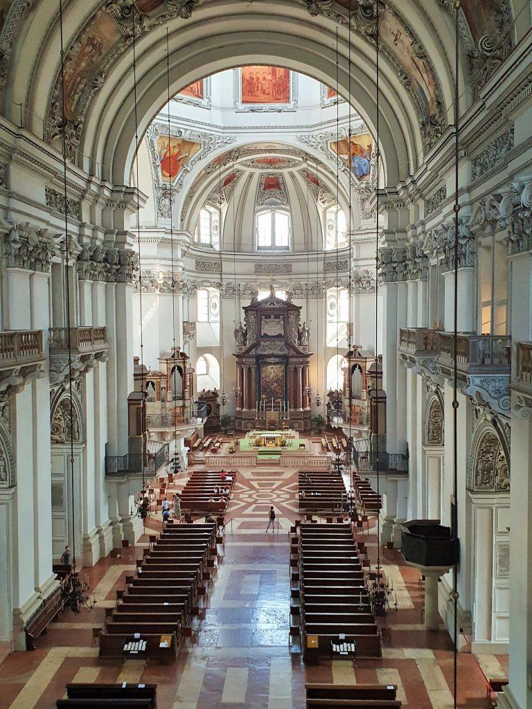 Salzburger Dom Innenansicht von oben