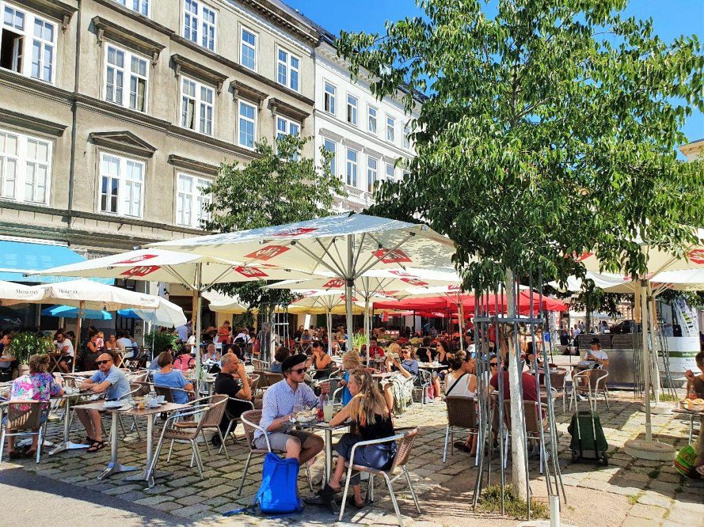 Lokale im Freien am Yppenmarkt Wien