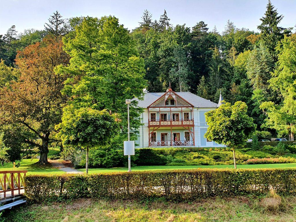 Jugendstil Villa im Grünen