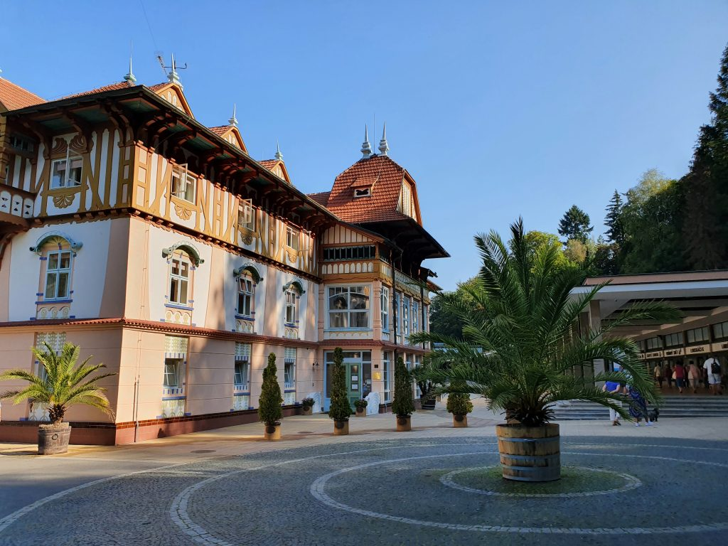 schönes Gebäude im Volks-Jugendstil in Tschechien
