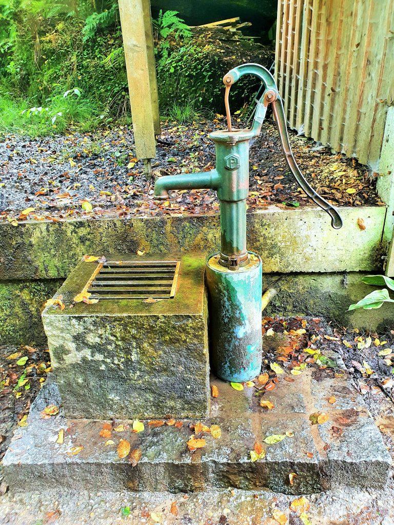 Brunoquelle mit altem Quell-Brunnen