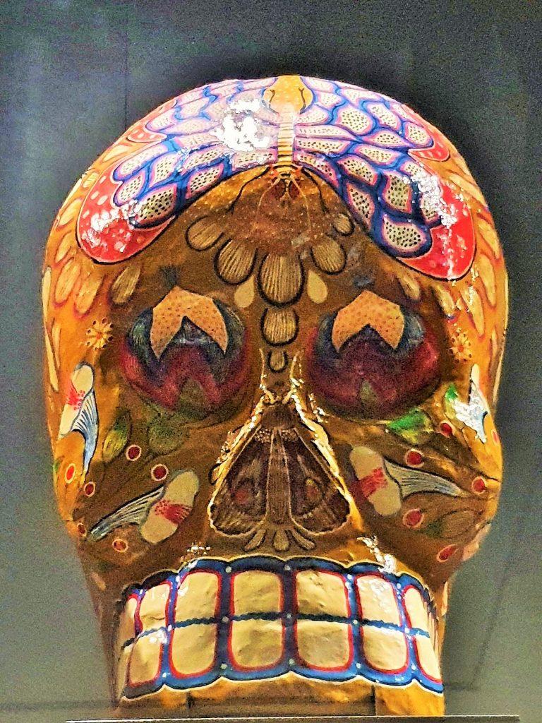 bunt bemalter Totenschädel aus Mexico