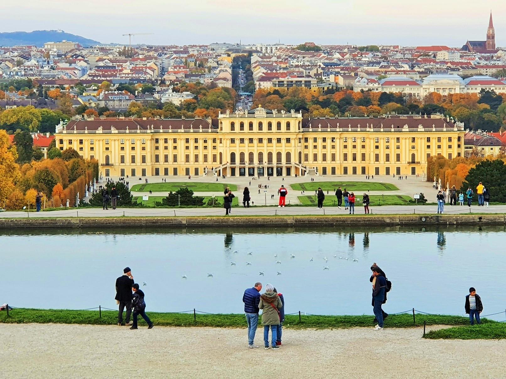 Schloss Schönbrunn und Gloriette Spaziergang, Wien
