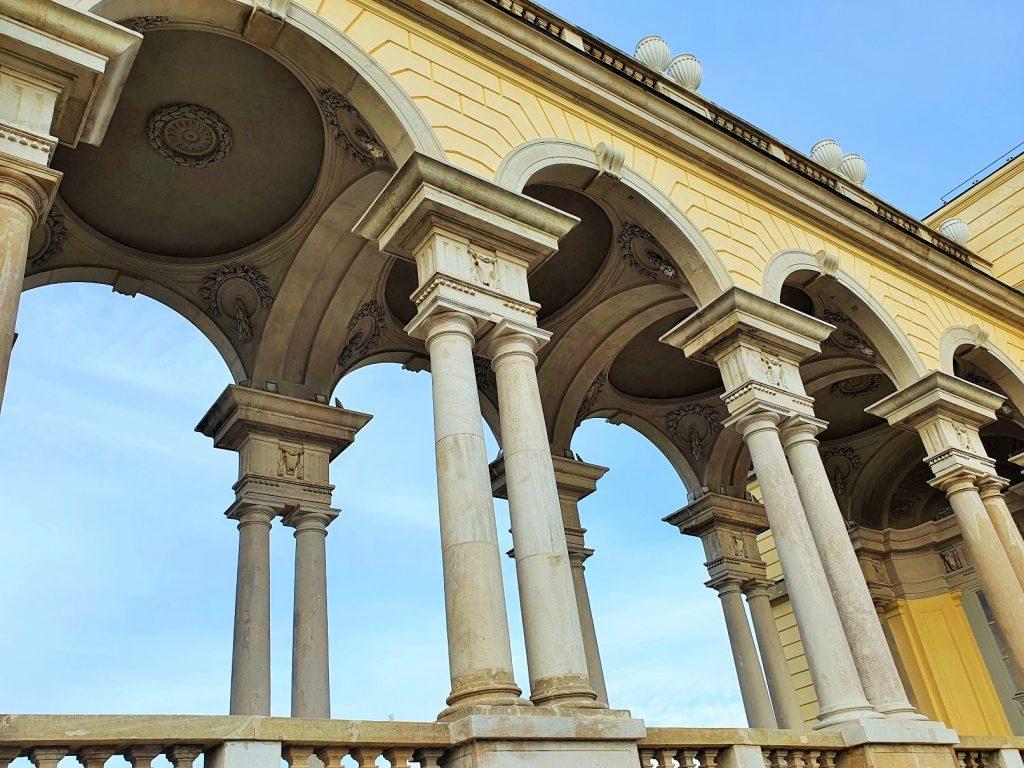 Bögen eines historischen Gebäudes
