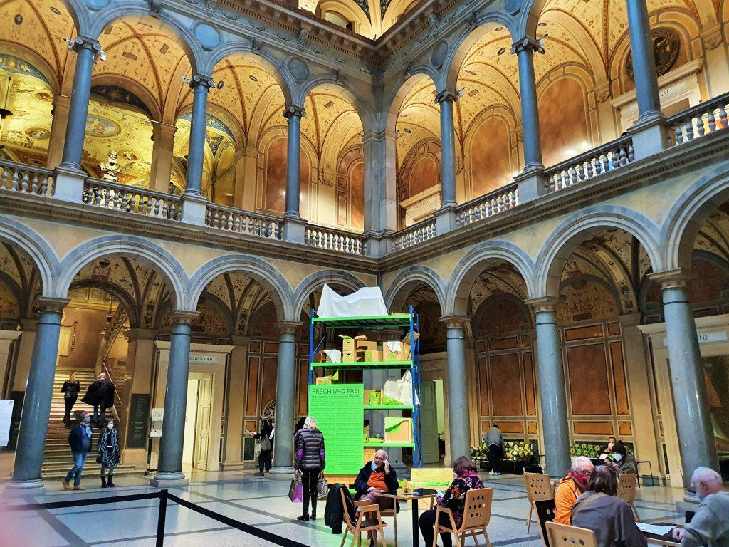 Innenansicht der Halle im MAK, Wien