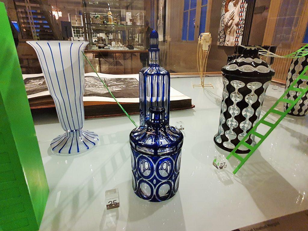 Gläser im Stil der Wiener Moderne