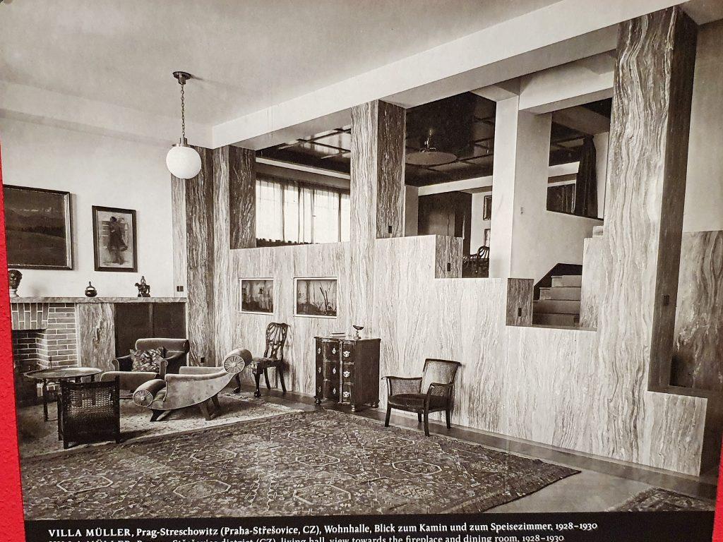 Fotografie eines Adolf Loos Privathauses innen