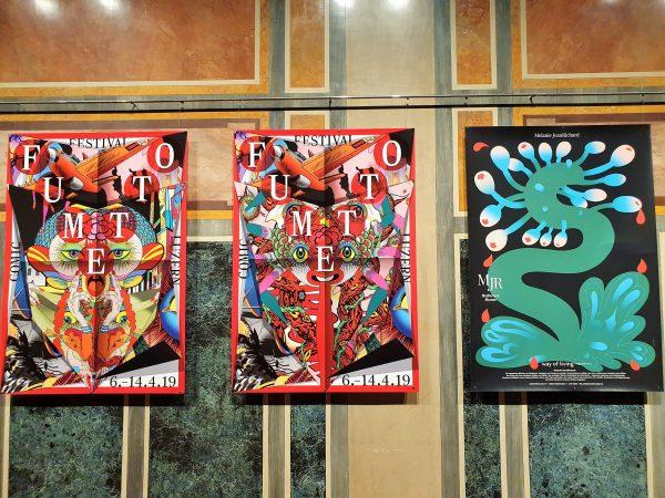 ausgestellte Plakate bei Ausstellung