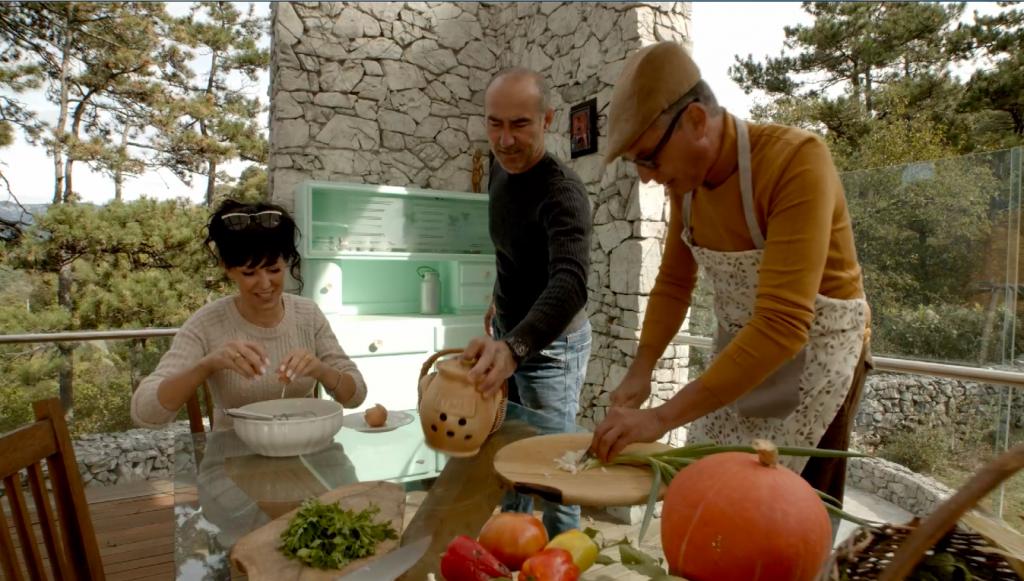 3 Personden beim Kochen, Urlaubstrend Glampyarding