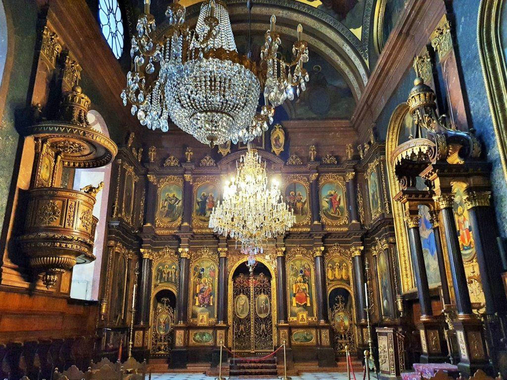 prächtiger Innenraum griechisch-othodoxe Kirche