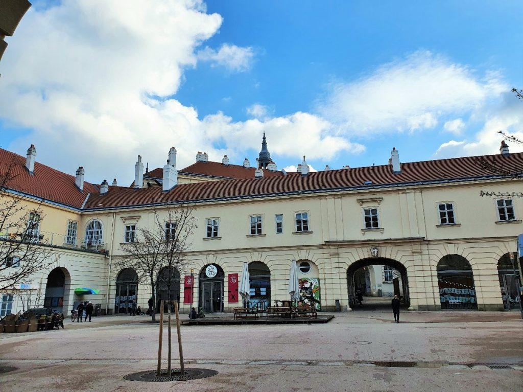 Innenhof des Museumsquartier Wien