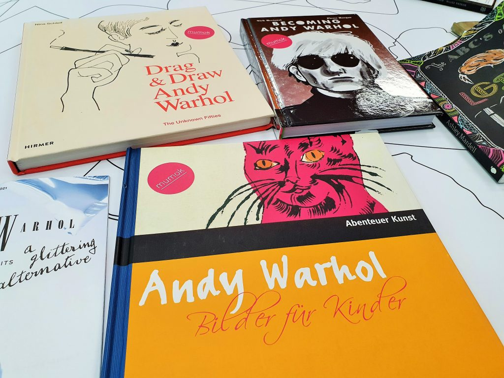 Bücher des Pop Art Künstlers Andy Warhol
