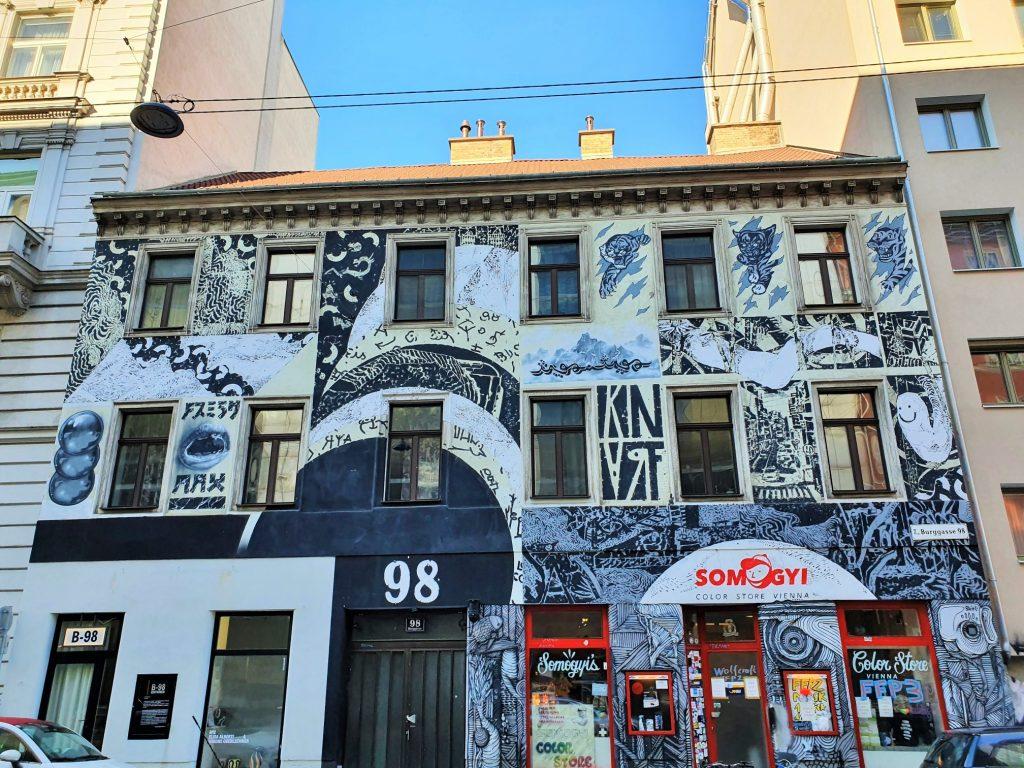 Streetart Art Mural Wien, über eine ganze Hausfassade