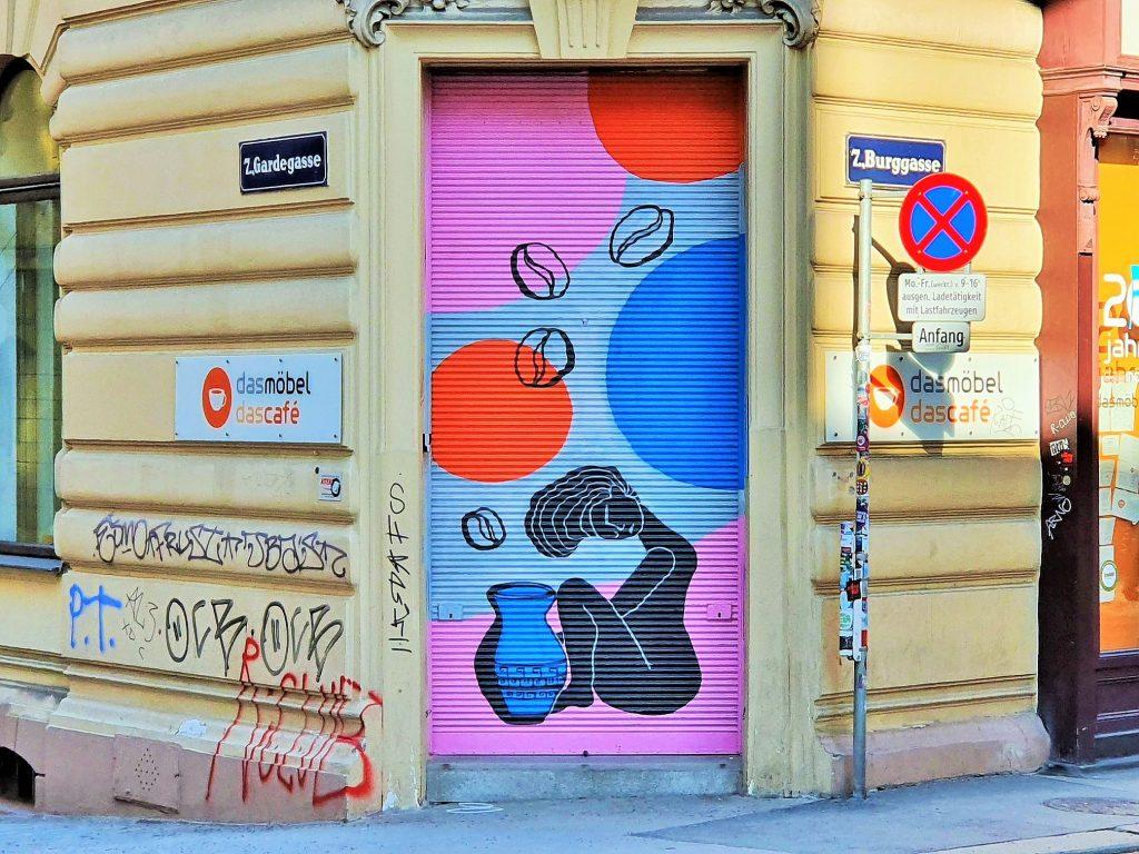 Graffiti auf einem Laden-Rollbalken