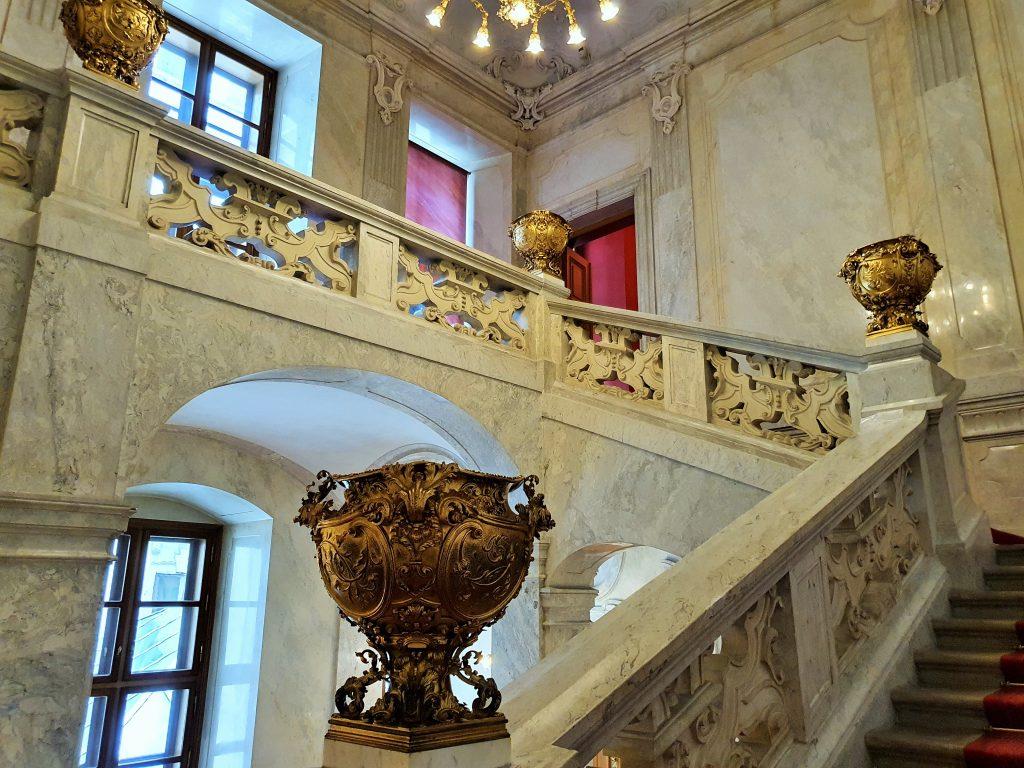 imperialer Stiegen-Aufgang in Palais