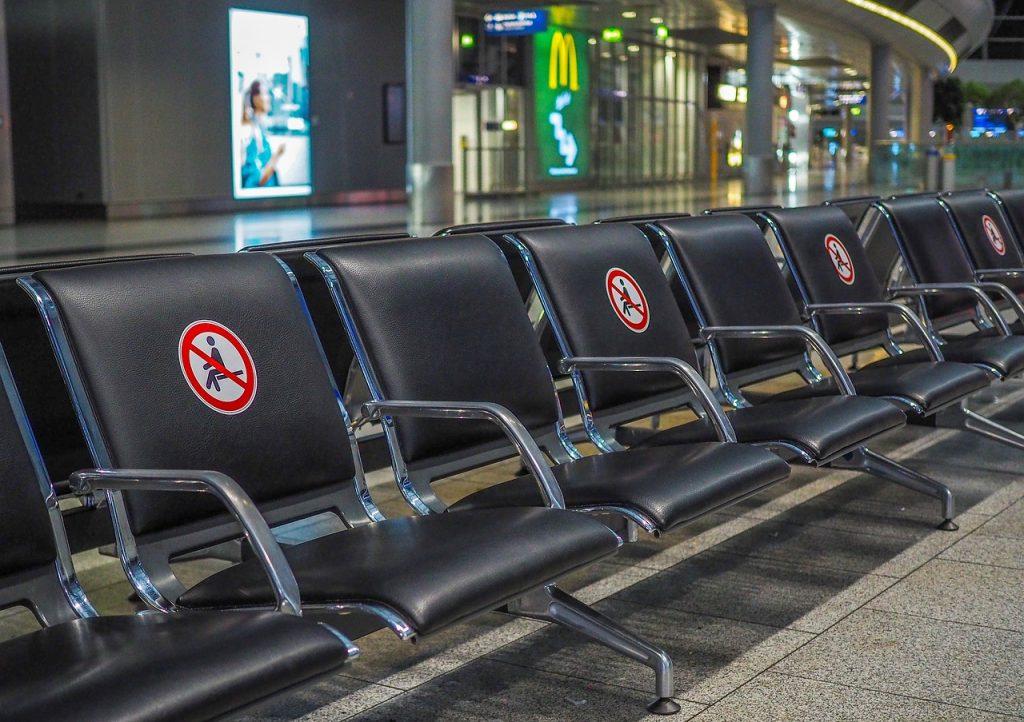 Social distancing am Flughafen