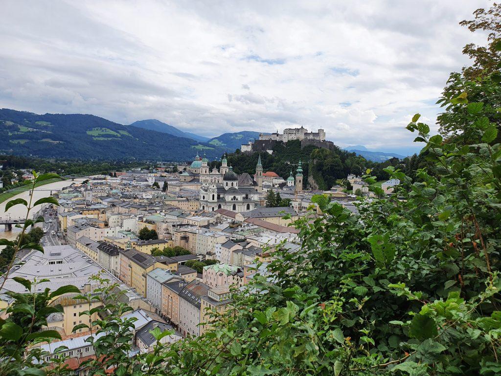 Ausblick über die Altstadt Salzburg und Festungt