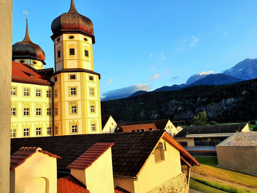 die Türme von Stift Stams in Tirols