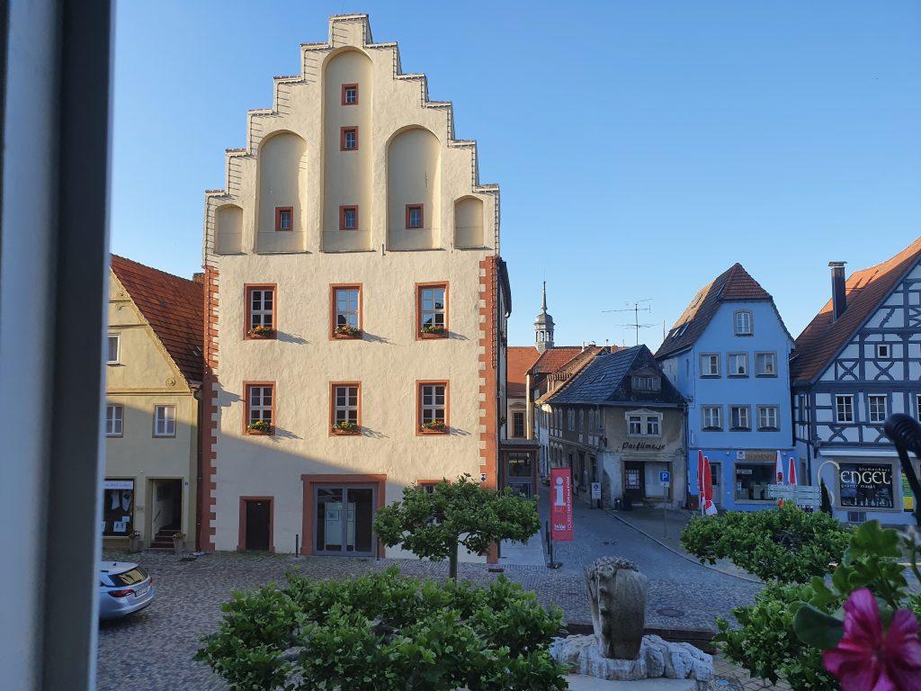 historisches Rathaus mit Marktplatz, Gerolzhofen