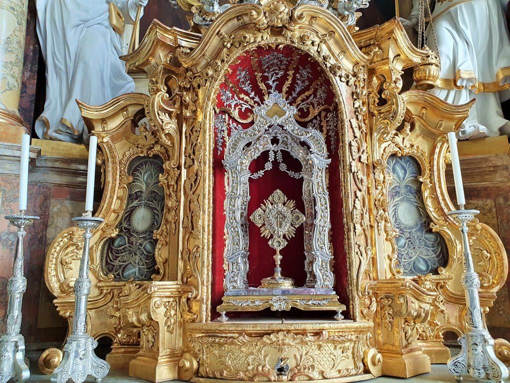 prachtvolle Monstranz mit Heilig-Blut-Reliquie