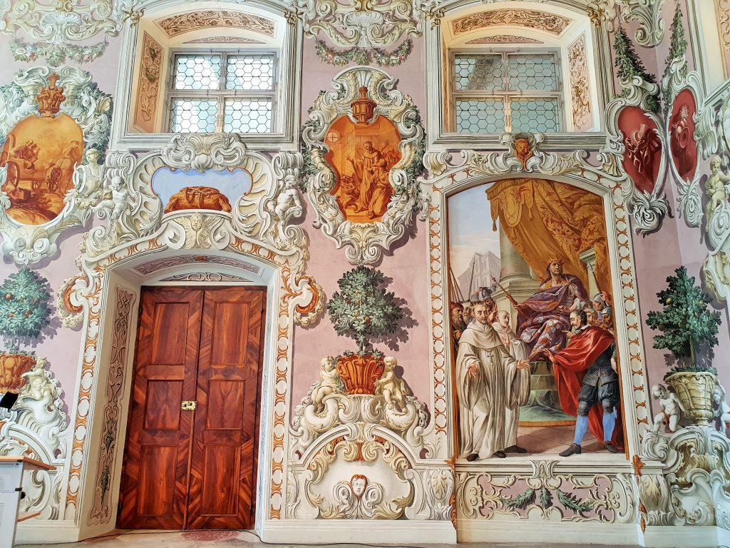 prachtvolle barocke Wandfresken