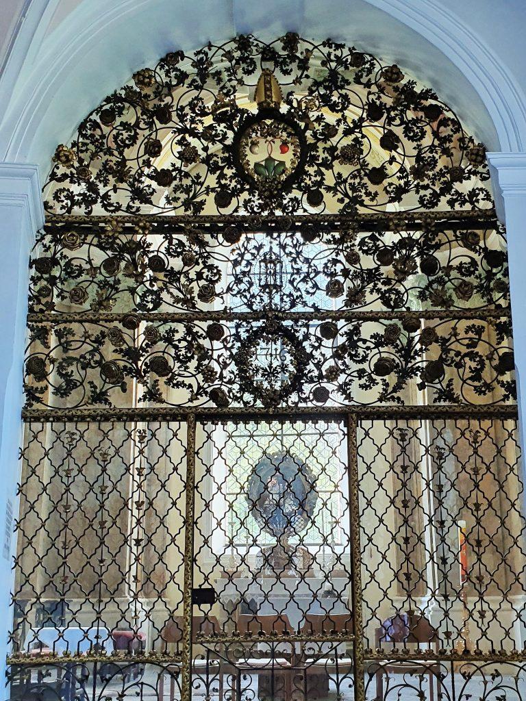 prachtvolles Kirchentor aus Schmiedeeisen