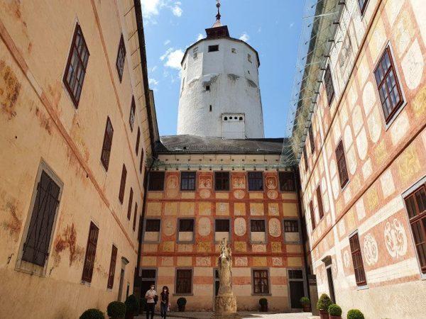 Ausflugsziel Burg Forchtenstein mit Turm