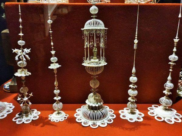 filigrane historische Silberarbeiten