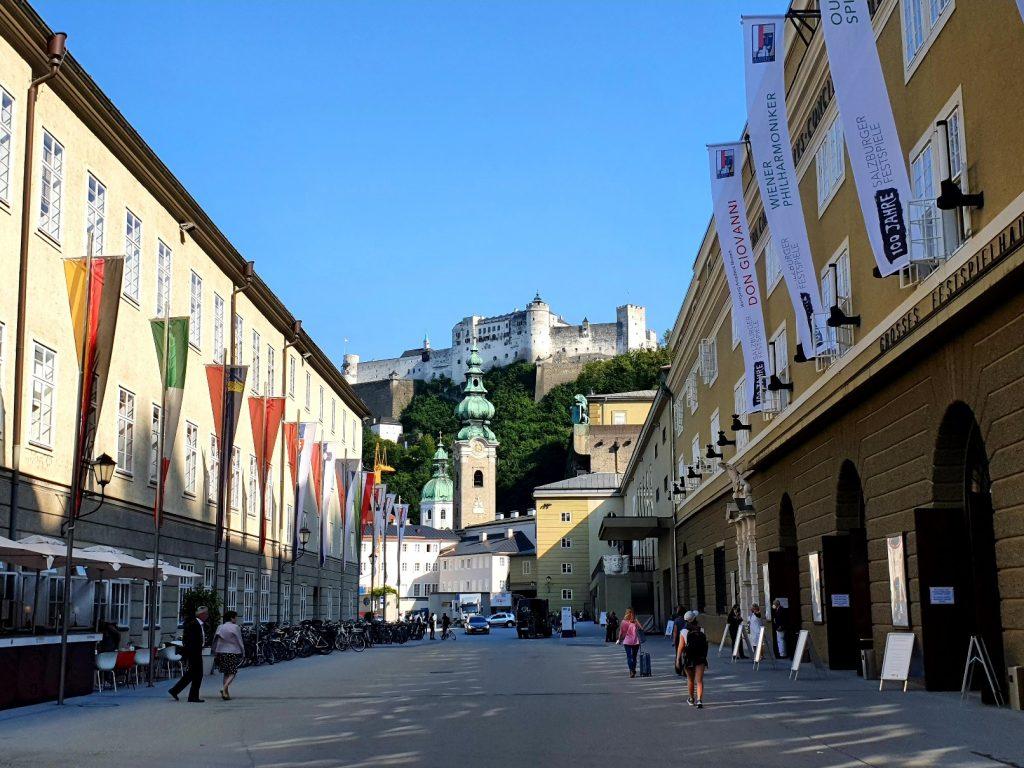 Festspielhaus Salzburg mit Festungsblick